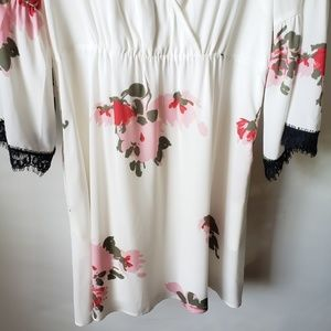 Candie's Dresses - NWT CANDIE'S BELL SLEEVES FLORAL DRESS SZ L